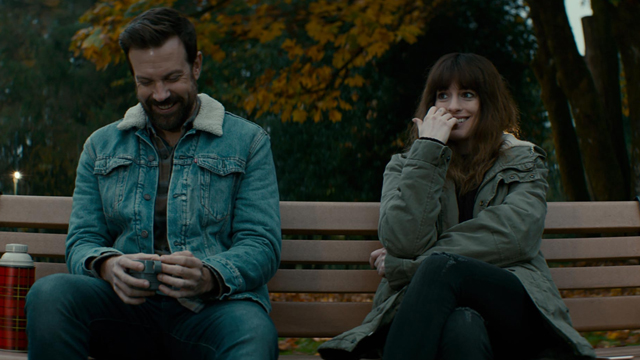 anne-hathaway-and-jason-sudeikis-in-colossal-2016